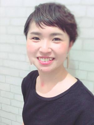 スタイリスト 新井 絵理奈